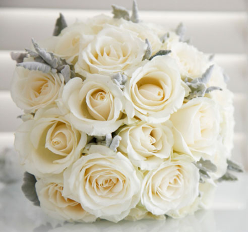 White rose bouquet 2 better together weddings for Bouquet roses blanches